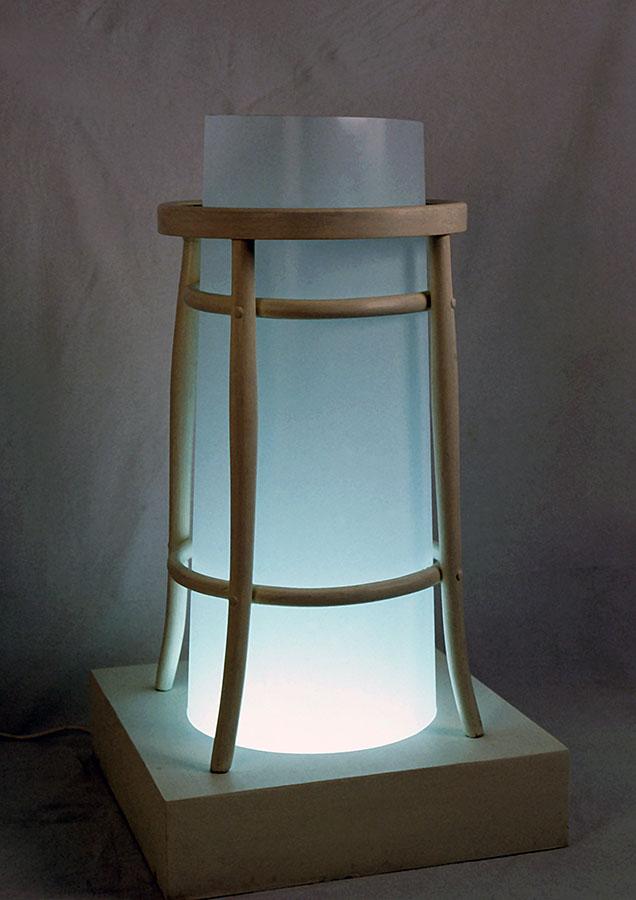 sgabello riadattato, metacrilato opalino, neon, cm 50x110x50